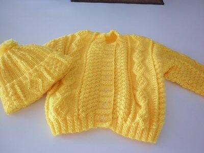 Hand knitted toddlercardigan and hat