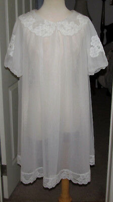 Vtg. Shadowline White Chiffon Nylon Peignoir Robe  Lots Of Lace   Sz.s