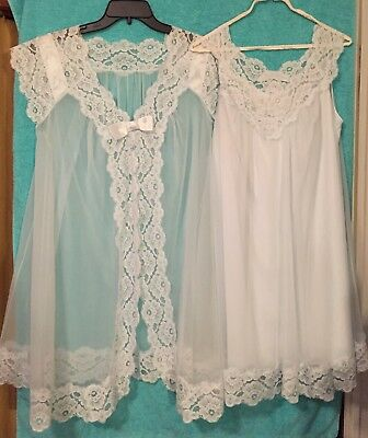 SHADOWLINE -Light Blue - Nylon - Lined Nightgown With Robe - Size: Medium