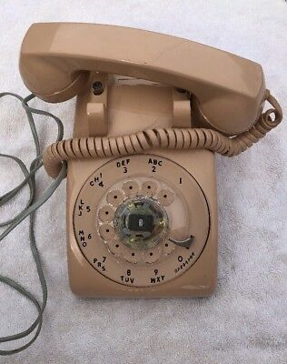VINTAGE BEIGE LtPnk WESTERN ELECTRIC 500 BELL SYSTEM ROTARY DIAL DESK TELEPHONE!