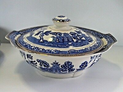 """Alfred Meakin Art Deco """"Blue Willow"""" Covered Vegetable Dish, Tureen"""