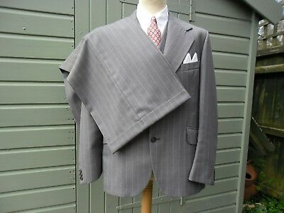 "vintage 1970s mens grey pinstripe 3 peace suit 42""ch. 36""w good condition"