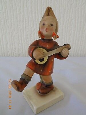 "HUMMEL GOEBEL FIGURE ""MIGRANT SONG"" GIRL PLAYING BANJO TMK2 c1950-55"