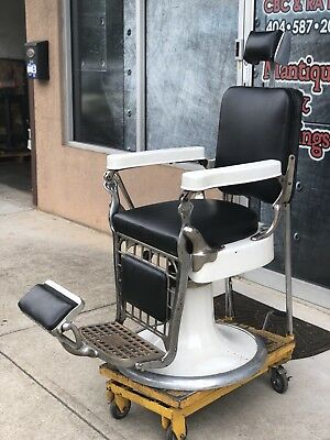 Emil J. Paidar Barber Chair