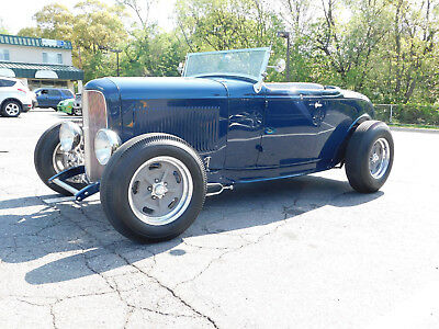 1932 Ford Roadster Street Rod, Deuce, Hot Rod Beautiful 1932 Ford; Brookville (steel); SBC; 5-Speed; Prof. Built. (video)
