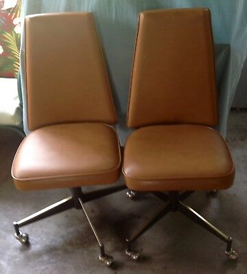 Incredible 2 Mid Century Modern Douglas Furniture Of California Swivel Chairs With Casters Home Interior And Landscaping Mentranervesignezvosmurscom