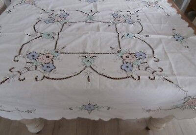 Antique White Embroider/applique Tablecloth 120 X 122Cm. Vic.