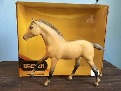 BREYER #891 SUNNY DUN ACTION STOCK HORSE FOAL. Model Horse. With box.