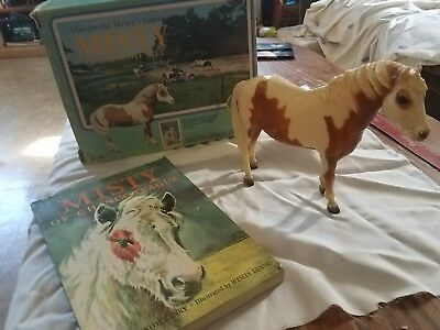 1972 glossy 1st Release Four Eyed Misty of Chincoteague in box with her book