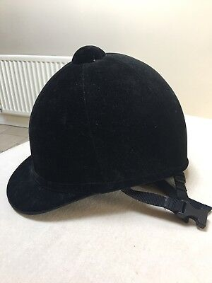 Velvet Charles Owen riding hat in excellent condition 59 cm circumference
