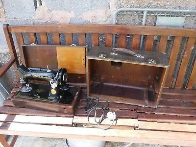 Tidy  Old  Cased  Singer  Sewing  Machine.   No FF237705.