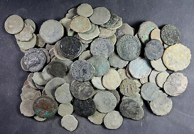 Bulk-Lot, 135 mainly uncleaned Roman Imperial coins, 3rd to 4th Century A.D.