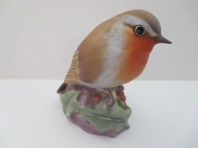 Royal Worcester Robin/bird On Holley Figurine Fine Bone China # 3197 Mint