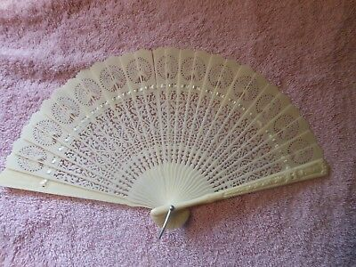 Vintage Mint White Plastic Hand Fan made in Hong Kong Lacy design Antique