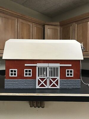 SCHLEICH Big Red Barn Retired (Item No. 42028) Excellent Condition
