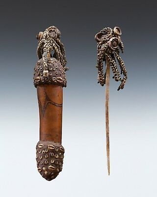 Fine New Guinea Sepik Lime Stick And Lime Container