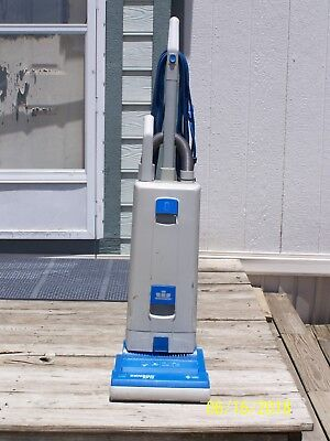 WINDSOR SENSOR XP12 COMMERCIAL UPRIGHT VACUUM CLEANER made in Germany