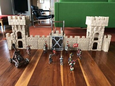 Schleich castle and knights