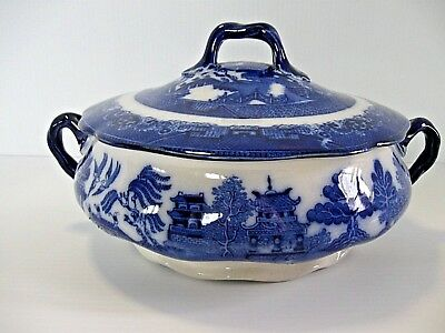 """Antique Royal Doulton """"Blue Willow"""" Covered Vegetable Dish, Tureen C.1902-1922"""