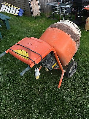 Belle 110V Mixer With Stand Plz Look At My Other Items