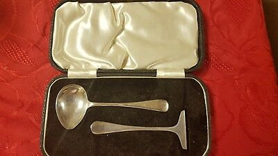 edward viners boxed silver spoon and pusher set 1932