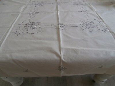 Creme Vintage Embroidered Tablecloth. 130 X 127Cm. Gvc. Vic.