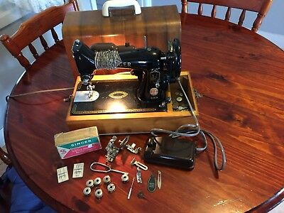 Singer 99k Electric Sewing Machine With Instruction Booklet And Accesories I