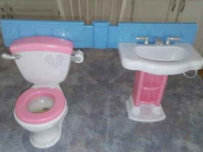 2007 Mattel Fisher Price Little Mommy Gotta Go Potty toilet and sink ( No Doll)