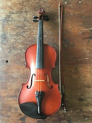 Violin 3/4, Arco, selected and set up by Animato, 2011.