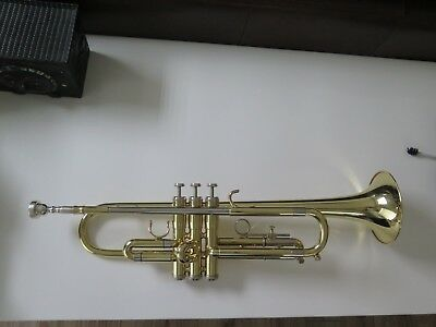 Getzen 300 Series Trumpet Bought New In 2011 Comes With Case And All In Photos