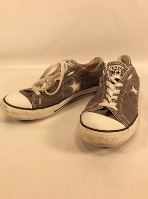 """Converse One Star Women""""s Light Gray Canvas Low Top Sneakers, Size 9 US"""