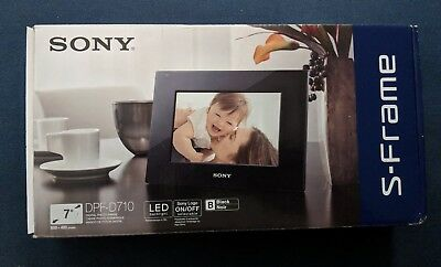 "Sony DPF-D710 7"" Digital Picture Frame"