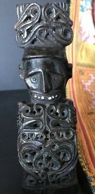 Old Papua New Guinea Head Hunter Carving …beautiful inlaid collection piece