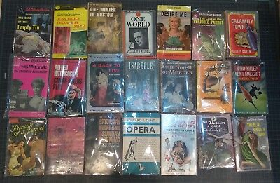 lot of 107 vintage pulp paperbacks sleaze GGA detective mystery thriller classic