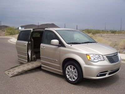 2015 Chrysler Town & Country Touring Wheelchair Handicap Mobility Van 2015 Chrysler Town & Country Touring Wheelchair Handicap Mobility Luxury Van
