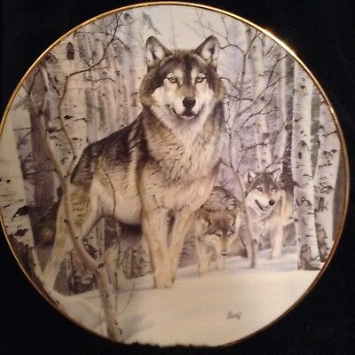 "Hamilton Collection Year Of The Wolf ""A Second Glance"" Plate"