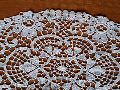 """Antique Stunning Belgian Brussels Lace Tablecloth Runner Oval Handmade 13.5x7.5"""""""