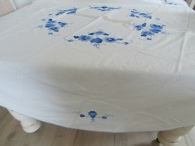 Applique  Tablecloth Vintage Whte.  Oval 164 X 170Cm Vic.