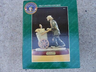 """Emmett Kelly Jr. """"After the Parade"""" Figurine - Limited Edition"""