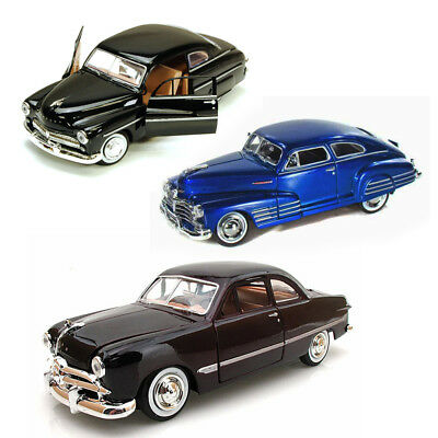 Best of 1940s Diecast Cars - Set 26 - Set of Three 1/24 Scale Diecast Model Cars