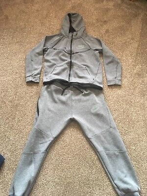 Nike Boys Tracksuit - Aged 10-12years - skinny fit - Grey