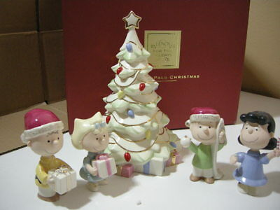 LENOX Peanuts Pals Christmas Porcelain China Set 2007 (Missing Snoopy Figure)