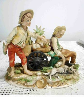 Beautiful 25 Cm Statue 2 Men And A Dog Excellent