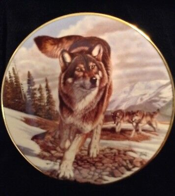 "Hamilton Collection Year Of The Wolf ""Leader Of The Pack"" Wolf Plate"