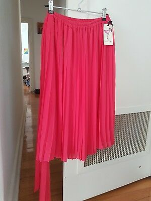 BNWT - Alannah Hill bright pink pleated skirt - size 8 - brand new never worn!