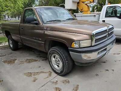 2000 Dodge Ram 1500 Laramie 2001 Dodge Ram 1500 4X4 V8 Magnum - SURPLUS 136,695 MILES Long Box Pickup Truck