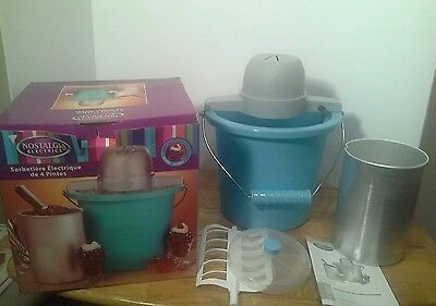 Nostalgia Electric 4 Quart Blue Bucket Electric Ice Cream Maker ICMP400BLUE EUC