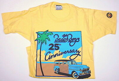 Vintage BEACH BOYS 25th Anniversary Tour T-Shirt Size Adult Small 34-36 NEW