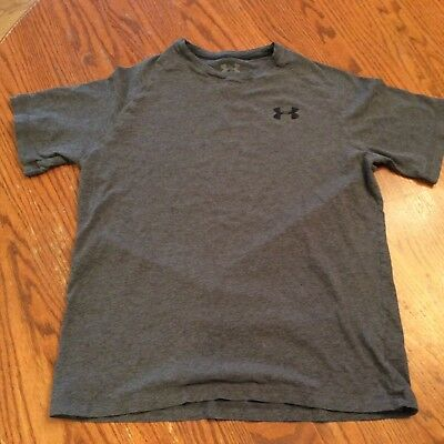 Under Armour Boys Ylg Gray Short Sleeve Top Charged Cotton Loose Heatgear