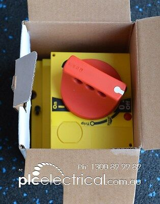 Schneider Electric LV429339 Direct Rotary Handle. Lockable.